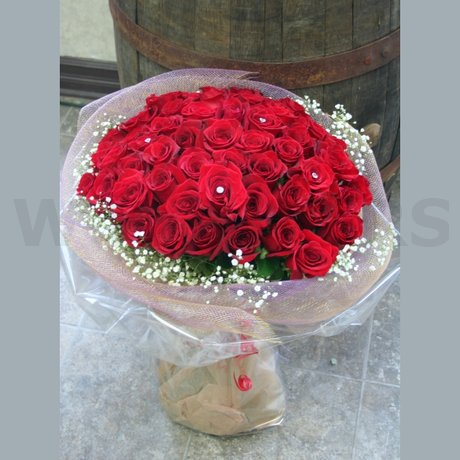 W Flowers product: 100 Roses with Baby's breath
