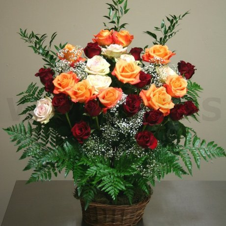 W Flowers product: Beautiful Roses in a basket