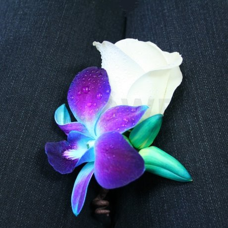W Flowers product: Boutonniere