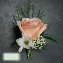 W Flowers product category: Boutonniere with Peach Rose and White Freesia