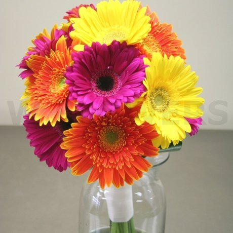 W Flowers product: Bridal Bouquet in Fuchsia and Orange