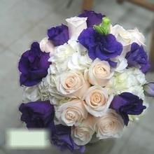W Flowers product category: Bridal bouquet in white and purple