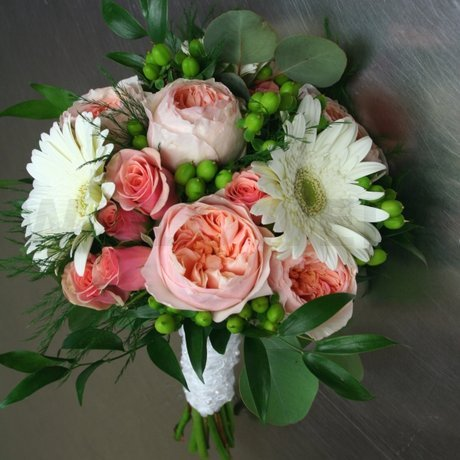 W Flowers product: Bridal Bouquet with Peach Garden Roses