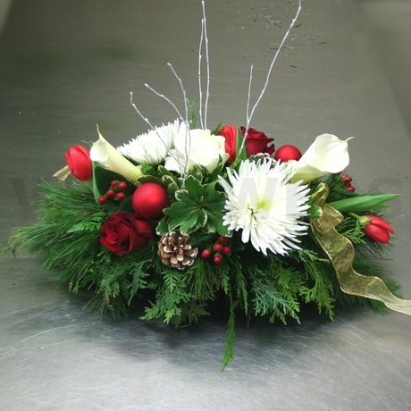 W Flowers product: Christmas Centerpiece with Calla