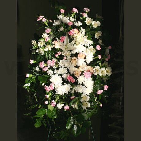 W Flowers product: Classic Standing Spray
