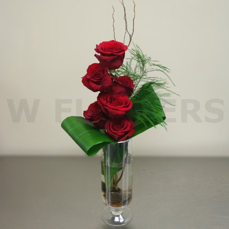 W Flowers product: Contemporary Roses in a vase
