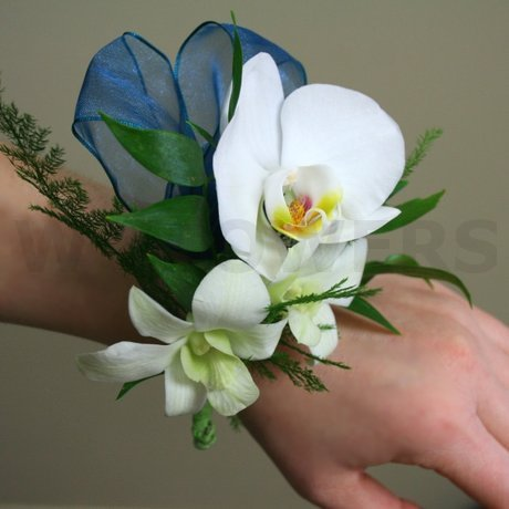 W Flowers product: Corsage with White Phalaenopsis