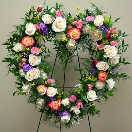 W Flowers product: Delicate Heart Multicolor