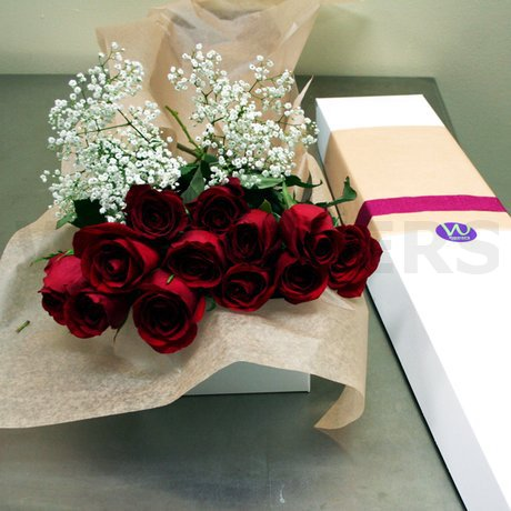 W Flowers product: Dozen Roses