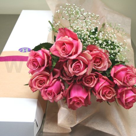 W Flowers product: Dozen Roses Pink
