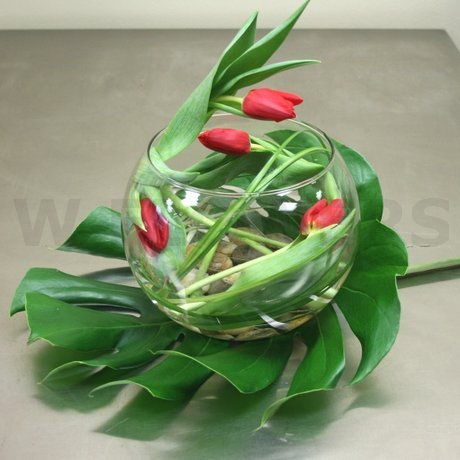 W Flowers product: Elegant tulips centerpiece