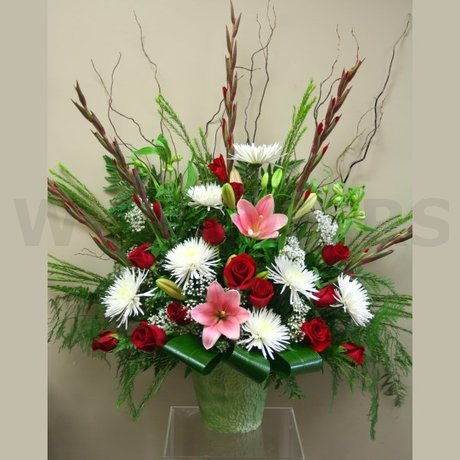 W Flowers product: Fresh Flowers Tribute in red and white