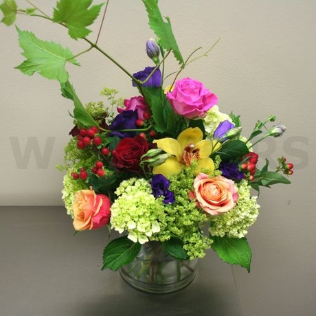 W Flowers product: Garden Style Centerpiece