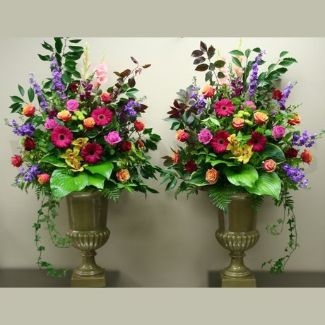W Flowers product: Garden Style Urn