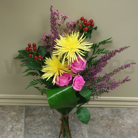 W Flowers product: Graceful Bouquet