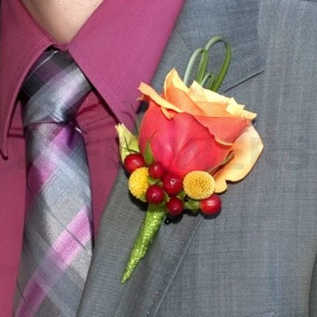W Flowers product: Groom's Boutonniere
