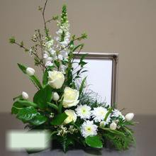 W Flowers product category: Harmony Memorial Photo Flowers