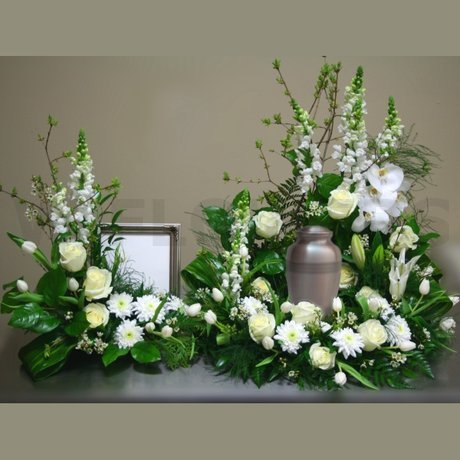 Flower  Funeral on Harmony Urn And Photo Funeral Flowers   W Flowers Ottawa