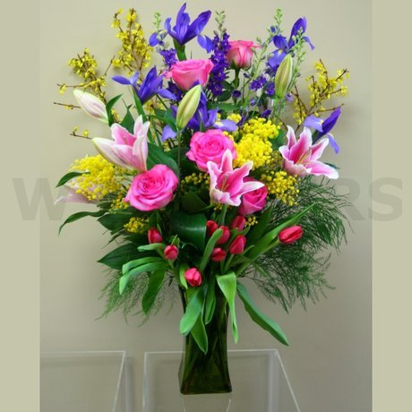 W Flowers product: Large Spring Arrangement in vase