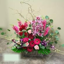 W Flowers product category: Large Wedding Ceremony Flower Arrangement