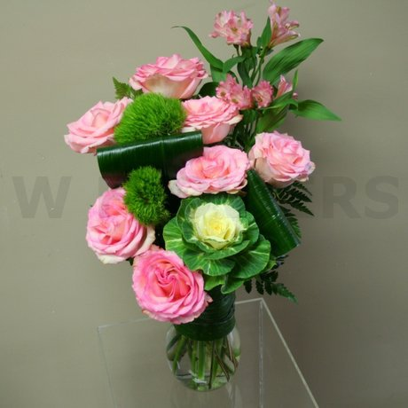 W Flowers product: Lovely Roses