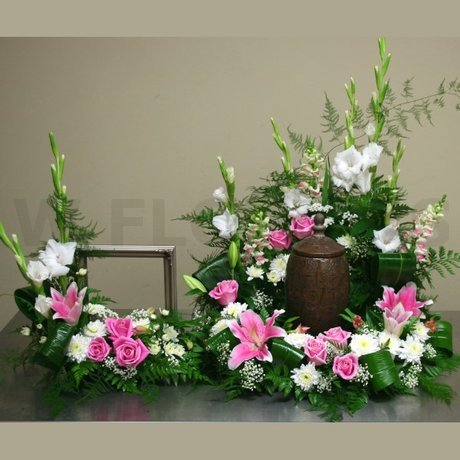 W Flowers product: Memorial Service Urn and Photo Flowers