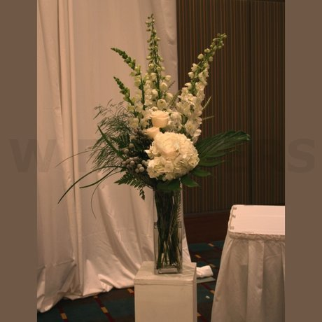 W Flowers product: Modern wedding ceremony flowers
