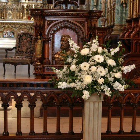 W Flowers product: Notre-Dame Cathedral Basilica Wedding Flowers