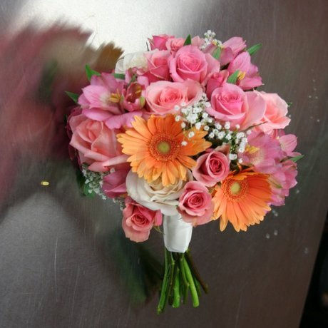 W Flowers product: Peach Gerbera and Roses Bouquet