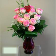 W Flowers product category: Pink Roses in a Vase