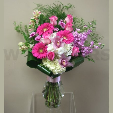W Flowers product: Pretty Pink Vase