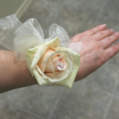 W Flowers product: Soft Pink Rose Wrist Corsage