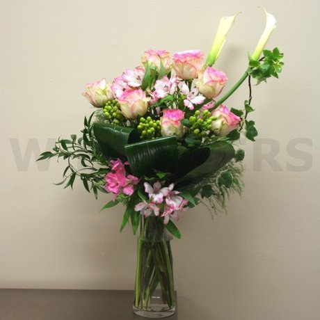 W Flowers product: Sophisticated Bouquet