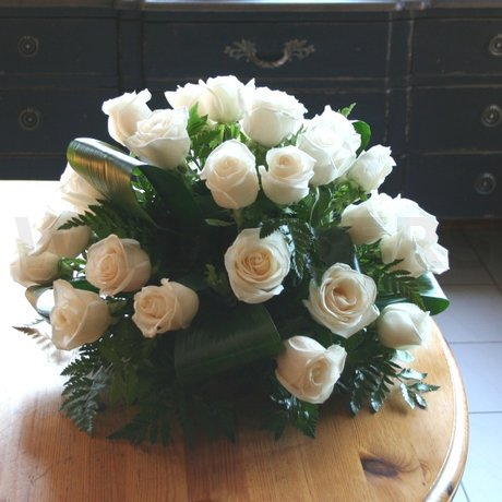 W Flowers product: Splendid White Roses