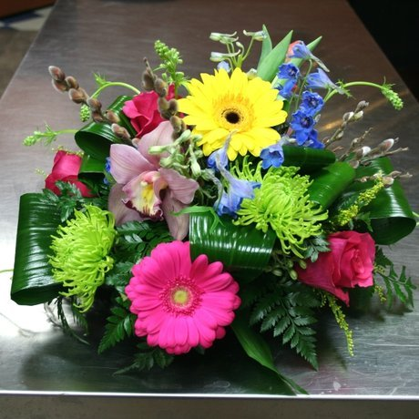 W Flowers product: Spring Centerpiece