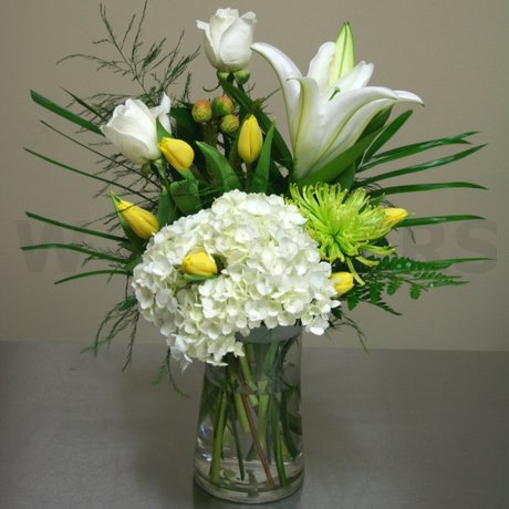 W Flowers product: Sympathy Vase