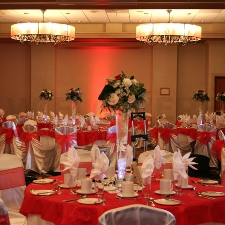 W Flowers product: Tall Wedding Centerpiece in White and Red