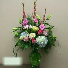 W Flowers product category: Vase Arrangement
