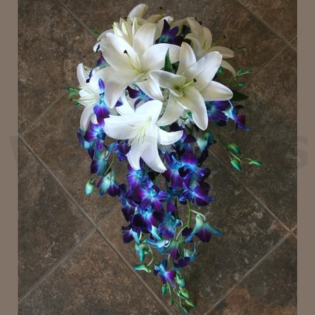 W Flowers product: Wedding bouquet in white and blue