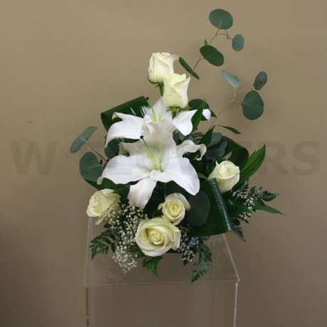 W Flowers product: White flower arrangement for wedding