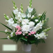 W Flowers product category: White Large Wedding Arrangement