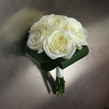 W Flowers product: White roses bouquet