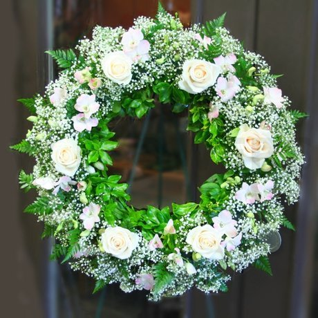 W Flowers product: White Wreath